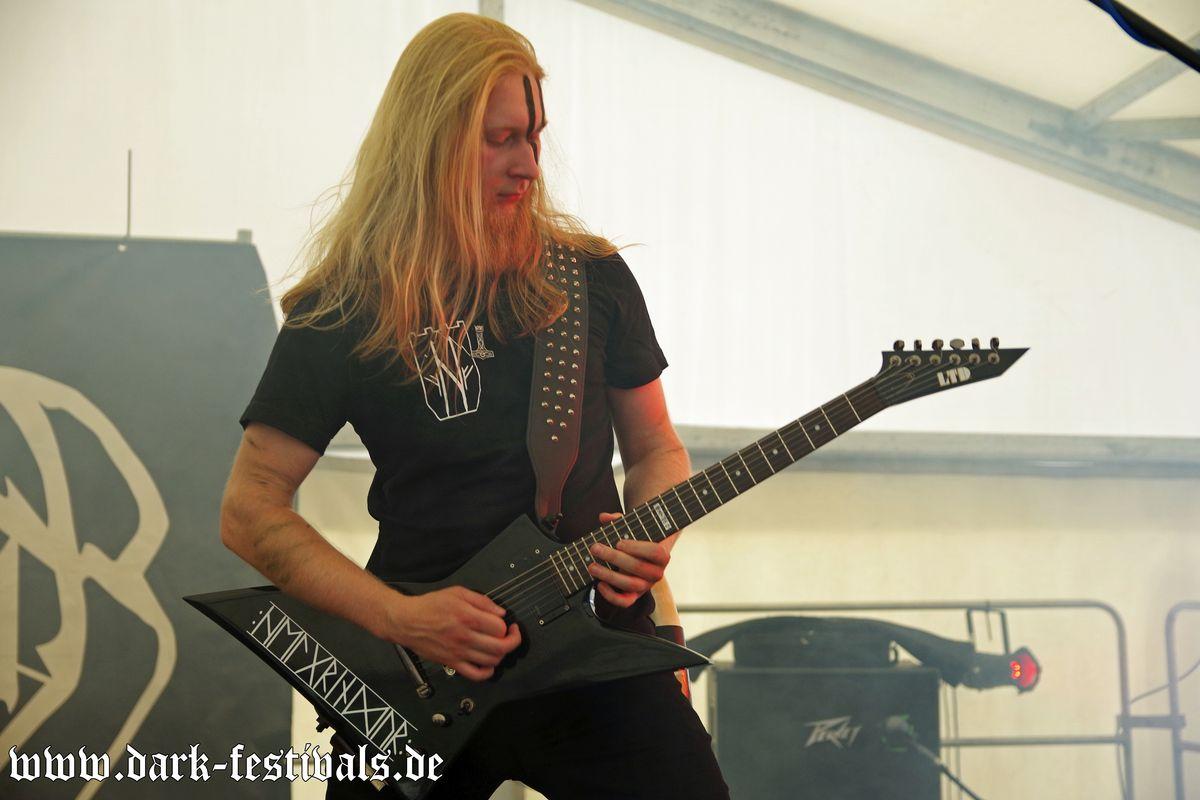 Tag-02-Band-04-Helgrindur-01